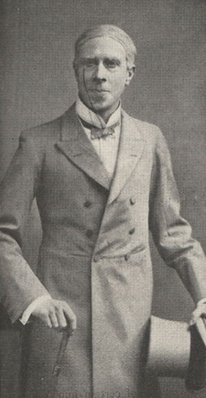 Arliss in costume as the Duke of St. Olpherts.