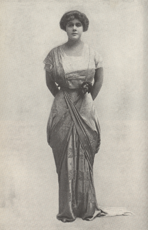 """Full length photograph of Janet Beecher in costume as the Putney widow in Arnold Bennet's """"The Great Adventure"""""""